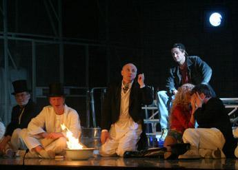Cпектакль «Затмение» в Ленкоме болгарского режиссера Александра Морфова